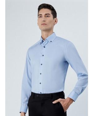 OLYMP เสื้อเชิ้ตแขนยาว ทรง Modern Fit สีฟ้า ผ้าเท็กซ์เจอร์ ปกแต่งดีเทลลายใบไม้ มีกระดุมบนปก